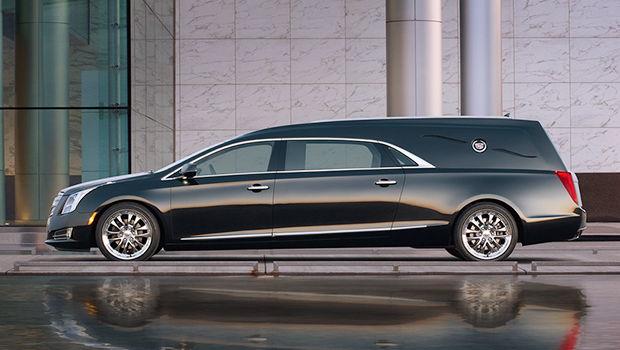 2014-cadillac-professional-product-overview-livery-limo-funeral-620x350-xts-coachbuilder-hearse-4